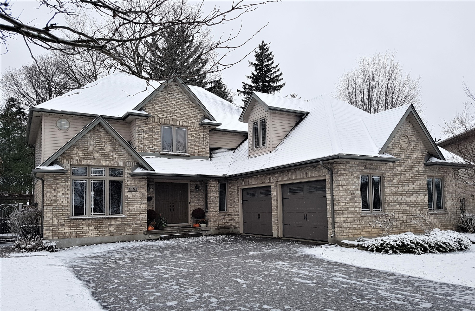 <h3>$742,900</h3><p>19 Farmhouse Court, London, Ontario</p>