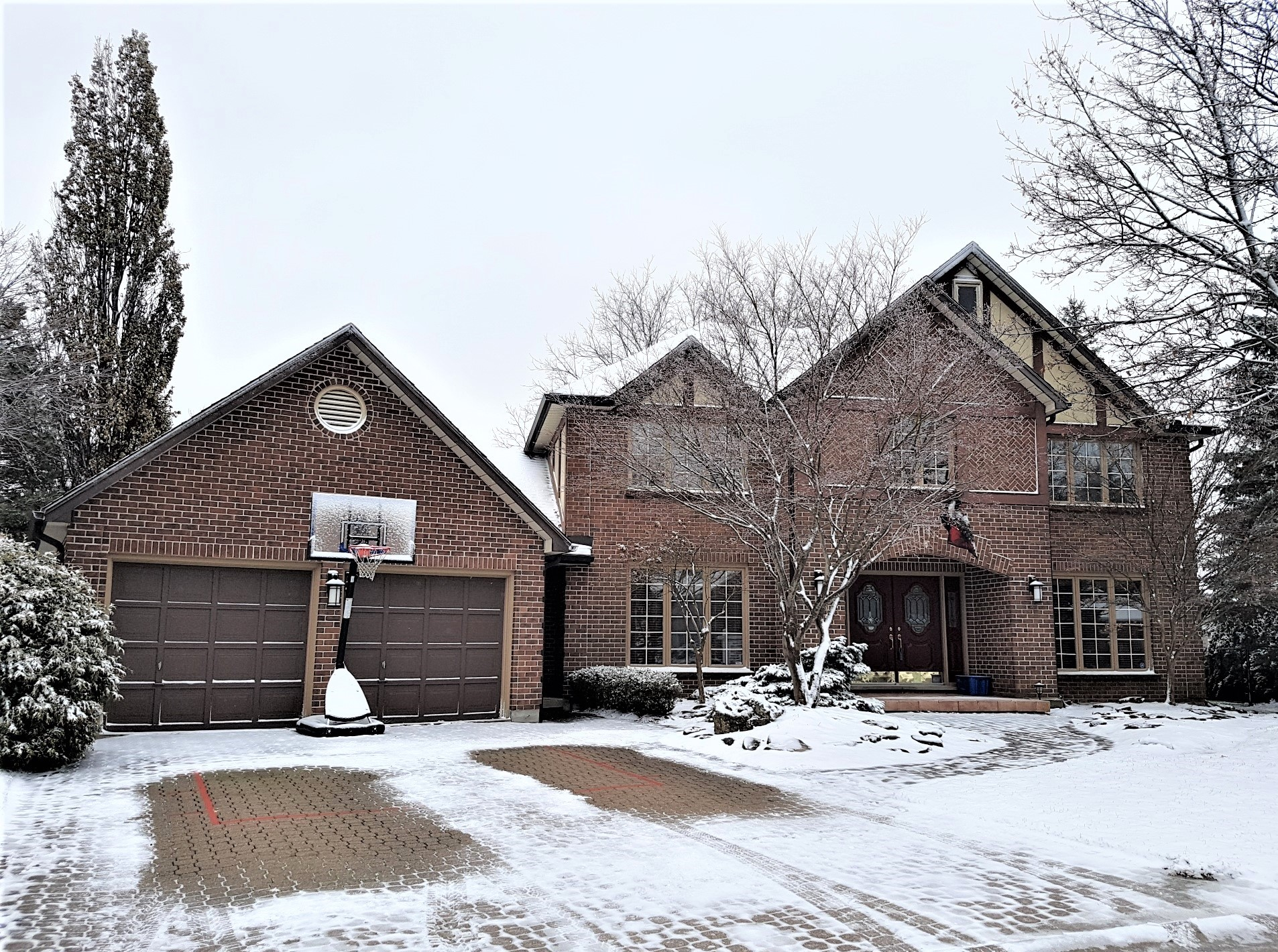<h3>$799,900</h3><p>141 Whiteacres Court, London, Ontario</p>